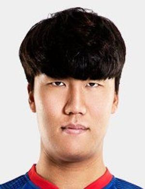 Yong-hyeok Lee
